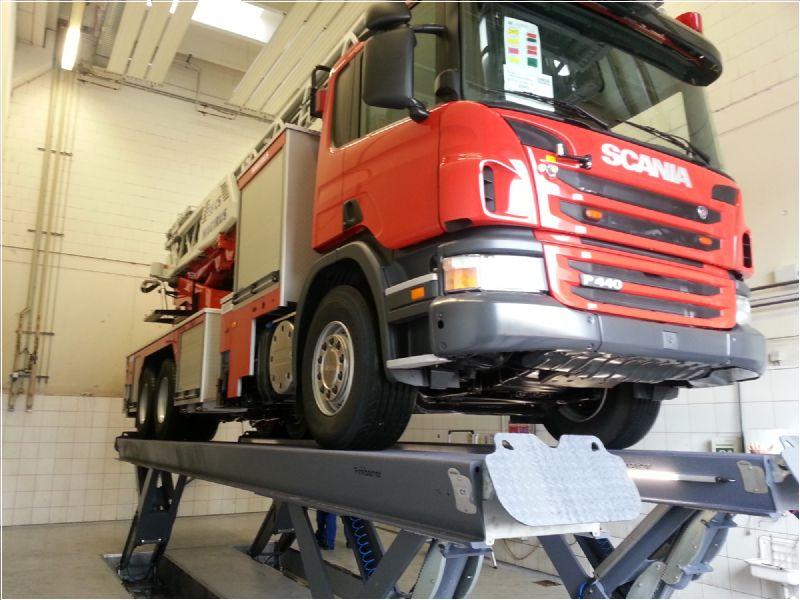 Ticari Araçlar İçin Yarı Makaslı Sabit Platform Lift - 25 Ton/9000 mm(FKB-HDS25-9000Single)