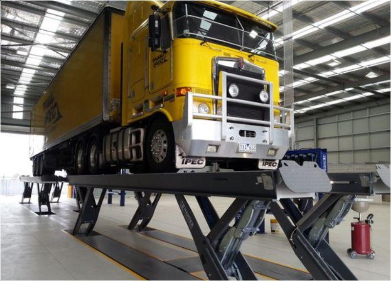 Ticari Araçlar İçin Yarı Makaslı Sabit Platform Lift - 2x25 Ton/18000 mm(FKB-HDS50-18000Tandem)